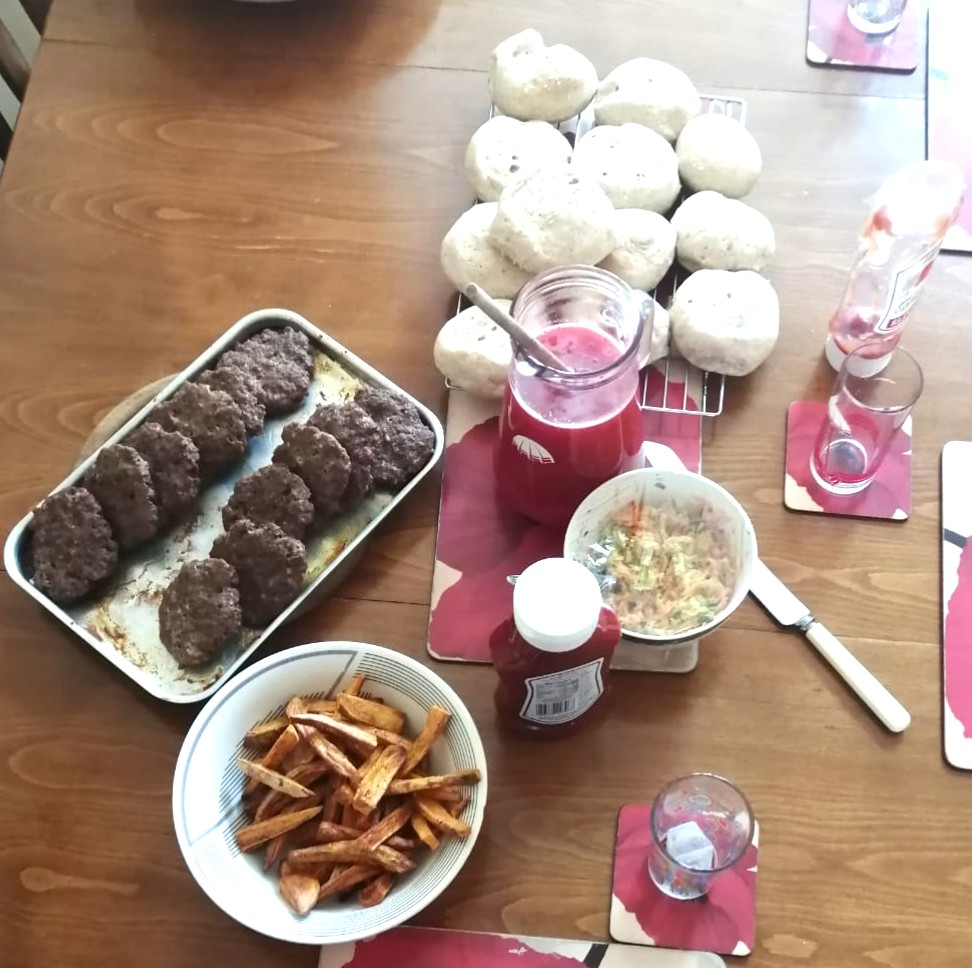 Burgers, Bread rolls and Slaw