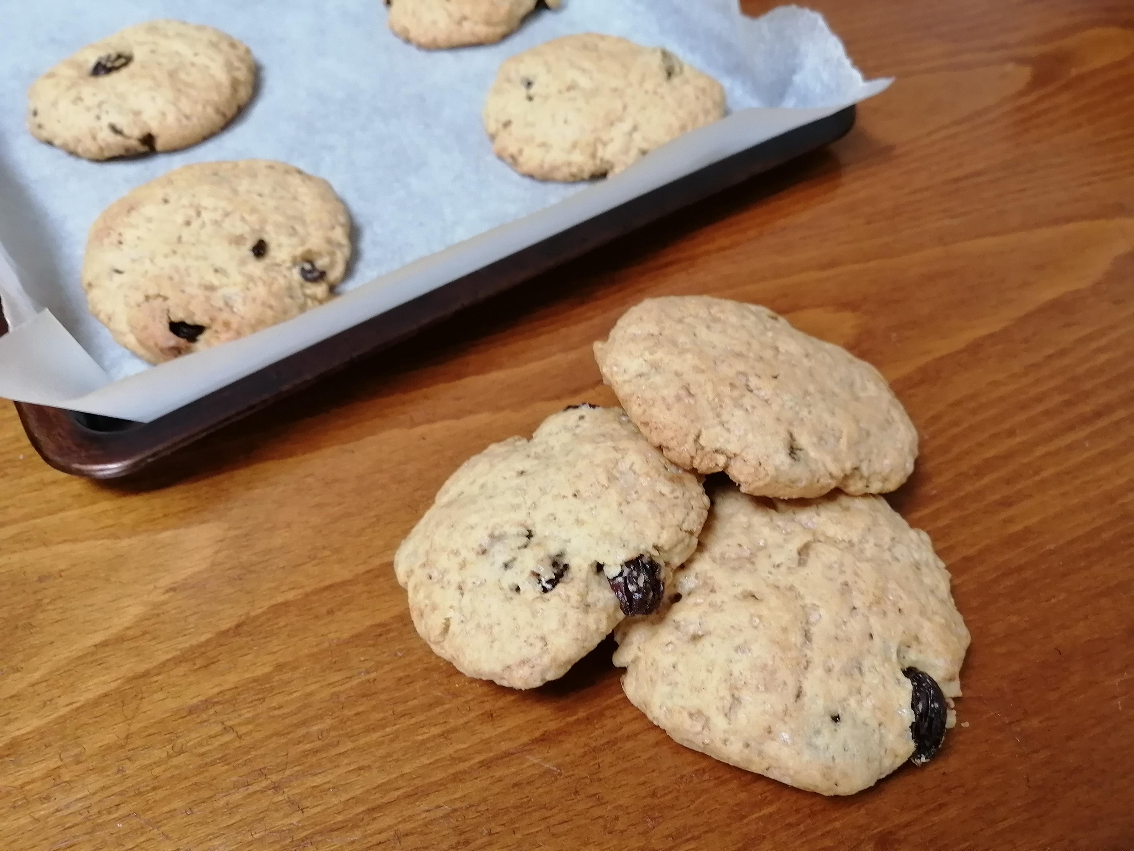 crushed-walnuts-and-raisin-cookies3